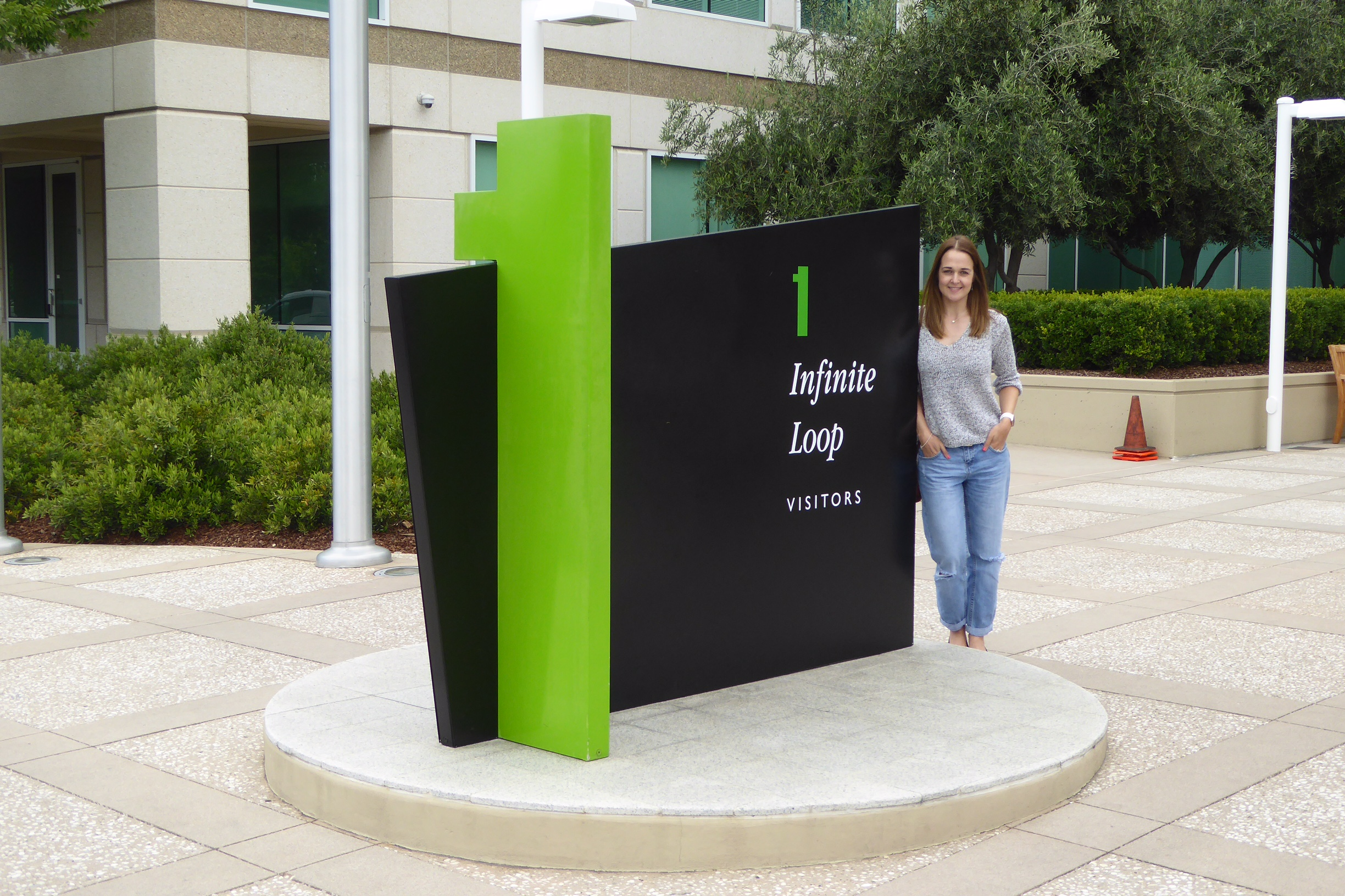 A Visit to Apple HQ; 1 Infinite Loop, Cupertino